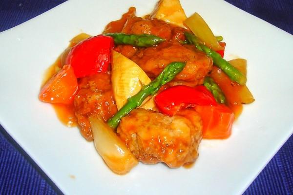 鶏唐揚と春野菜の黒酢あんかけ