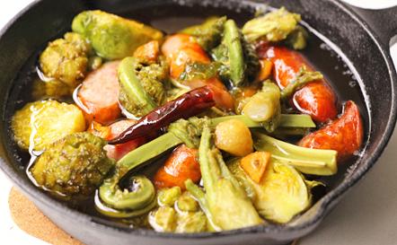 高座豚ウインナーと春野菜のアヒージョ